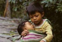 Caritas felices y tristes / Niños en el mundos