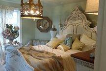 Guest Bedrooms / by Ingrid Cordak