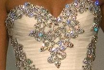 Gowns / Beautiful Evening and Prom Gowns / by Desiree Malmgren
