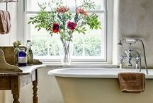 Delightful Bathrooms / Beautiful bathrooms in every shape and size