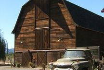 Reclaimed and Rustic Barn Homes / Bless These Barns With Character Galore!