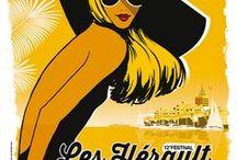 """2015 Festival les Hérault du Cinéma et de la Télé / Chaque année, la Ville d'Agde vit à l'heure de la culture et du cinéma, avec «Les Hérault du Cinéma et de la Télé». La rencontre des personnalités du 7ème Art et de la télévision avec un public nombreux et chaleureux ; le """"Top des courts""""; des longs métrages en avant-première; une journée spéciale """"télé-séries"""" ; des séances de dédicaces; l'ambiance estivale et détendue des plages et des soirées du Cap d'Agde... tels sont les points forts des «Hérault du Cinéma et de la Télé»."""