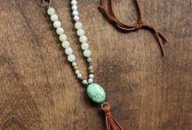 costume jewelry. bijuteria. smykker.