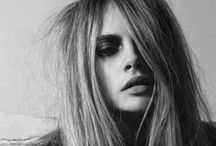 The Grown-up Grunge / Grunge today is not as 'hard' as it was in the '90s. Softer, it is now all about the messy, second day texture. Matte finish, slept in hair is what it is all about. You rocker, you.