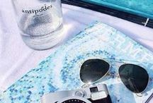 SUMMER VIBES / girls beach sand sun sea