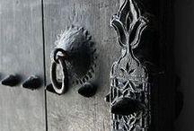 Vintage doors, knobs, keys...
