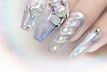 Holo Nails / Everything Holographic!