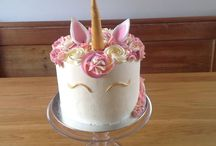 A unicorn, some butterflies and a rainbow ..... cake!