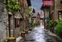 calles medievales / by liz hurtado