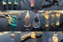 Resinjewelery DIY / DIY Jewelery  Schöner Schmuck aus Resin und Edelhölzer. Eigenes Design von Anhängern ,Ohrringe,Ringe und Halsketten aus Harz . Besuchen Sie meinen Etsyshop ZeitlosSchmuckDesign ich freue mich auf euren Besuch .