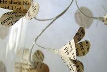 kwiaty z papieru, tkaniny, sznurka, wstążek, nici  i innych materiałów