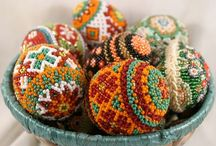 Helmimunia - beaded Eastern eggs