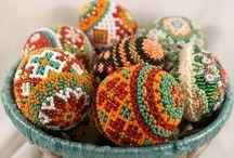 Helmimunia - beaded Eastern eggs