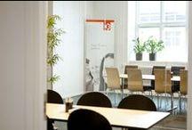 Konferensrum / Vi hjälper dig med lösningarna utifrån dina visioner. Tillsammans formar vi samtalsrum för kollegor och kunder.