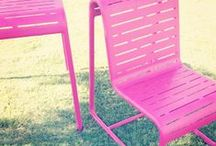 pink chairs of Grand Park, LA / the social life of pink chairs in Grand Park