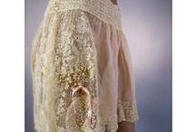 1920s lingerie / 1920s underwear: step-in/ teddy, slip, bra/ brassiere, girdle, corset, tap pants/ drawers/ bloomers, nightgown, pyjama ...