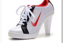 Спортивная одежда,обувь.