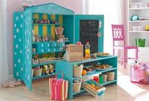 Role Play Stations / Nice Ideas and How to make a play kitchen  or play stations for your kids.