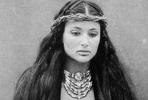 Nativi Americani / Questo Popolo era il padrone del continente Nord Americano è stato massacrato dai criminali che tuttora occupano queste terre !!!