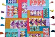 QUILT CLASSES / All online classes about making quilts, with patterns, techniques and handy tips.  Some I've taken, others I really want to.