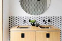 SALLES DE BAIN / DOUCHE /  Salles de bain #baignoire #douche #lavabos #miroir #savon #serviettes #pierre #galets #eau  #bath #shower #water #soap #mirror #towel #pebble #shingle