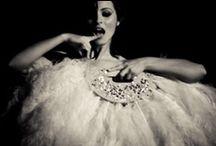 Dita, Burlesque, & feathers!