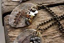 Costume jewelry (bigiotteria)