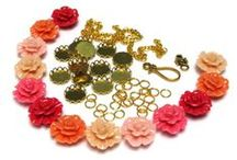 Jewelry DIY Tutorials / Easy, beautiful and colorful tutorials and ideas for making jewelry.