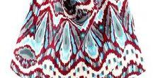 Must-haves Accessoires / Vous ne sortez jamais sans votre sac et vous collectionnez les modèles ? Craquez pour nos sacs en coton trendy style cabas, tote bag ou sac over-size ou pour une petite pochette ethnique. Le headband Diwali Paris, coloré, aux détails chics, vous suivra partout et donnera du peps à votre look : le shopper, c'est l'adopter ! Bohème, chic, casual ou ethnique, facile à intégrer à votre look, le headband est idéal : il s'adapte à tous les styles ! http://www.diwali-paris.com/fr/accessoires.html