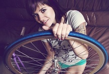 Chixies / chicks and/or chickens and fixed gear bicycles aka fixies