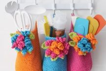 Crochet + knitting - bags and storage solutions / by Andrea Cuda