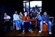 Festival Bruxelles Babel / L'asbl Tremplins lance un appel aux jeunes de 12 à 21 ans, seuls ou en groupe, désireux de s'exprimer au travers d'une discipline artistique.  Cette proposition s'adresse autant aux débutants qu'aux jeunes plus expérimentés. Un panel de disciplines artistiques est présenté lors du festival Bruxelles Babel: arts de la scène, arts plastiques, vidéo, photo,…  Pendant sept mois, les jeunes préparent leurs productions autour d'un thème commun, où toutes les réalisations se mêlent harmonieusement.