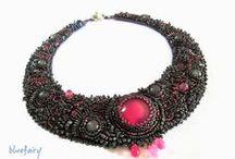 """Bead embroidery necklaces / Biżuteria """"na szyję"""" wykonana w technice haftu koralikowego - kolie i naszyjniki."""