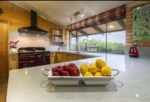 Kangaroo Ground Kitchen / Designer: John Crooks Photography by Yvonne Menegol For a lot of our clients, a kitchen renovation is something they've been dreaming of for years and this is certainly true for those of this week's feature kitchen. It all started with a Falcon. A Falcon oven, that is. For about a decade, Tracy has carried a picture of the Falcon oven she has wanted to put in her new kitchen and this year, that dream has come true!
