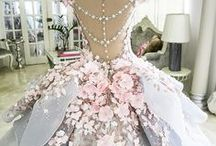 Die-For Dresses / Dresses I'd wear in my dreams and sometimes dare to wear in public!