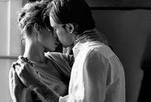 ♥  San Valentino per due ♥ / Un anello al dito, affinché il vostro ricordo ti accompagni sempre, ad ogni tuo passo, ad ogni tuo respiro, e per immaginare un pezzettino del suo cuore sempre legato a te, al vostro amore. www.comete.it