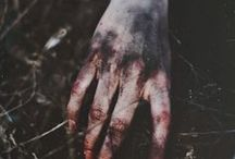 Aesthetics: B L O O D / Wounds, blood, bruises.