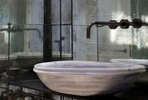 Bathroom/ Baños