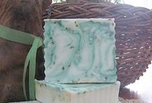 Soap DIY / Love making soap, the whole house smells amazing for days! How to make your own soap.