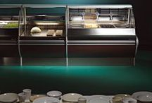 Prestige | Refrigerated Display Cases / The first choice for gastronomy and charcuterie. Prestige combines a full range of showcases with excellent visibility functions it provides. Dedicated to food retail and the sale of prepared foods, this design of soft shapes highlights the perfect exposure of food.