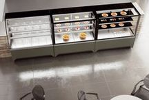 Vista | Refrigerated Display Cases / Design enthralling and captivating visibility that stimulate impulse buying. The Vista range offers a wide exhibition area with small foot-print and three distinct styles: curved, flat or self-service front glass.