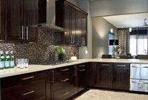 Kitchen Cabinets / Kitchen Cabinets Designs