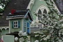 Victorian Homes & Edwardian Style