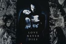 Bram Stoker's Dracula / The best movie for Bram Stoker's Dracula Classic, it has some of the most beautiful costumes and interesting filming techniques of modern movies.