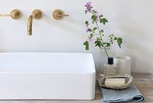 Simply Bathroom / These bathrooms all have serious style. From roll top baths and vintage vanity units to metro tiles and brass taps, these washrooms and cloakrooms all have one thing in common - simple, effortless style. Oh, and amazing taps...
