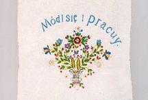 Haft kaszubski / Wyodrębniono różne odmiany (szkoły) haftu kaszubskiego m.in.: wdzydzka, żukowska, pucka, wejherowska.