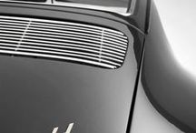 Porsche / La storia della Porsche inizia ufficialmente il 25 aprile del 1931 con la fondazione dello studio di progettazione e ingegneria Dr. Ing. h.c. F. Porsche GmbH a Stoccarda da parte del fondatore Ferdinand Porsche: è questo il vero nucleo originario dell'azienda Porsche, in cui ben presto inizierà a fornire il proprio importante contributo anche il figlio di Ferdinand, ovvero Ferdinand Anton Porsche