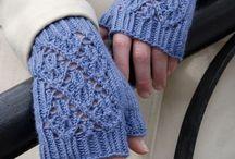 Guantes tejidos en aguja o gancho / Guantes en gancho / by Carmen Banck