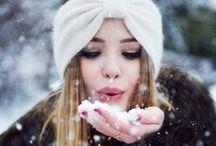 Copos de nieve / Los amores níveos pueden ser tan apasionantes como los estivales. El frío no es sinónimo de frialdad y mucho menos en las relaciones amorosas. Pasión y calor, la mejor receta para combatir el frío.