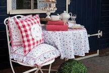 Czerwone stylizacje / Learn how red home decor can affect your appetite! Improve your house. #czerwonedodatki #czerwonastylizacja